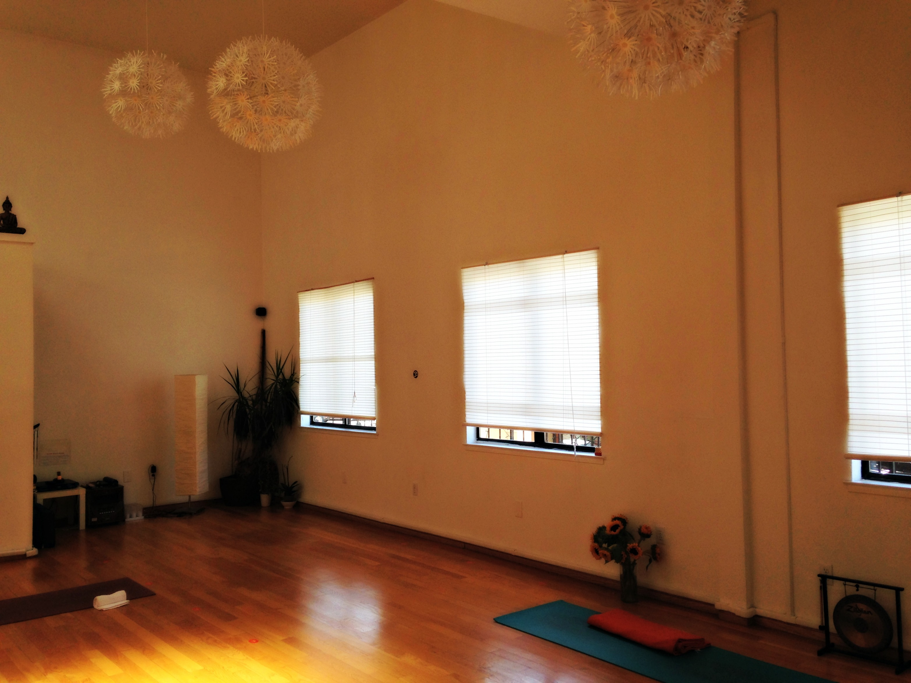 Glow Yoga Studio North Beach