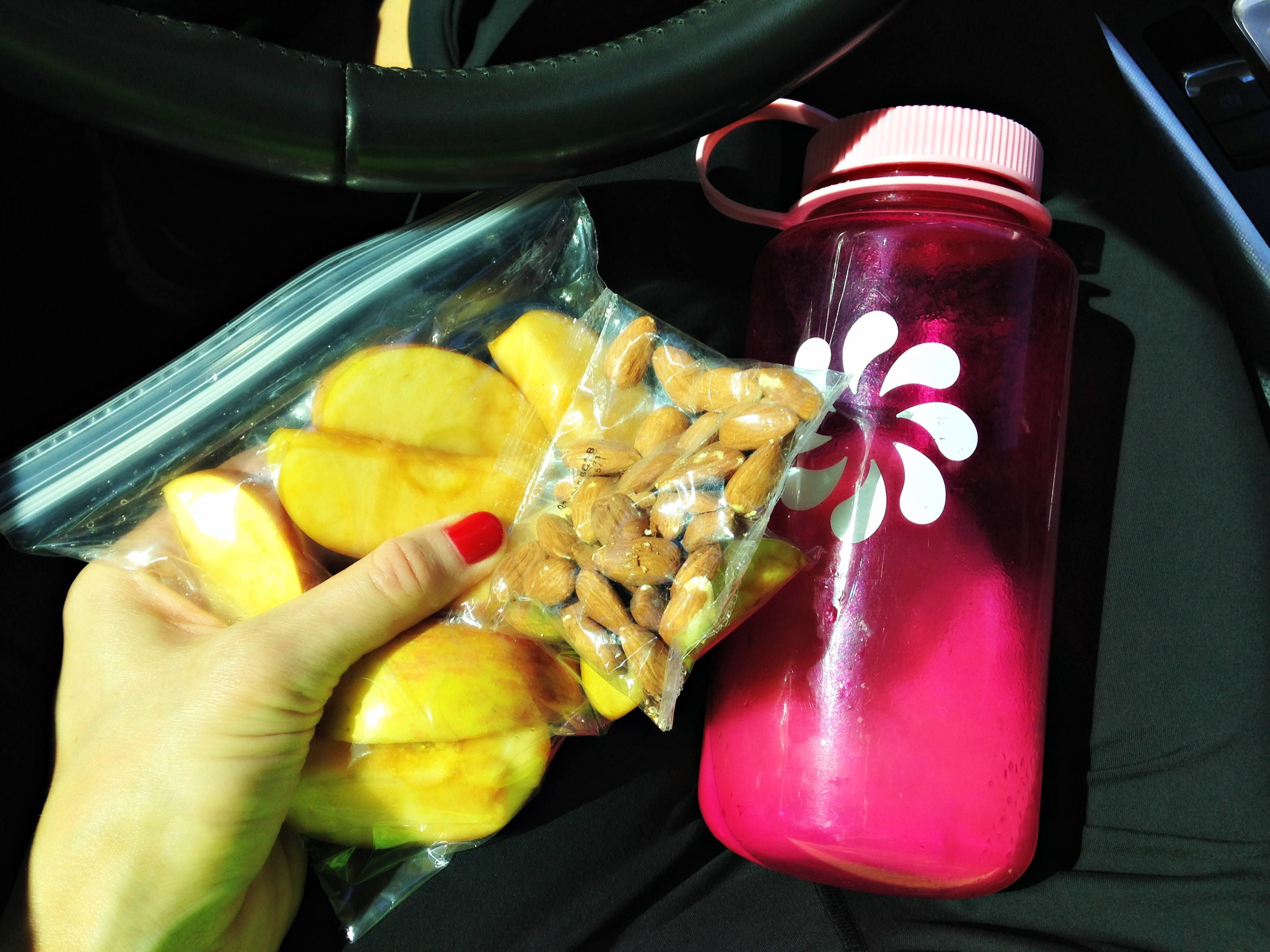 Snack, apple, nuts, protein