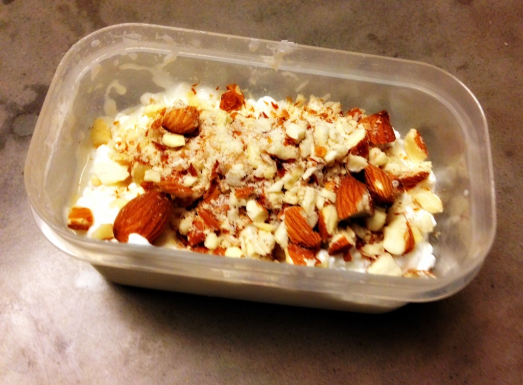 Cottage cheese and almonds