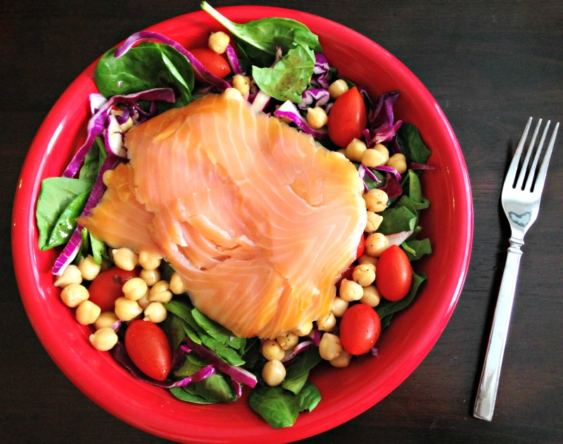 Smoked salmon salad lunch