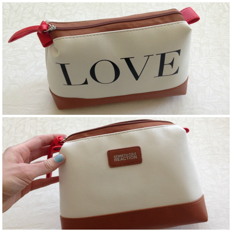 Love make-up bag