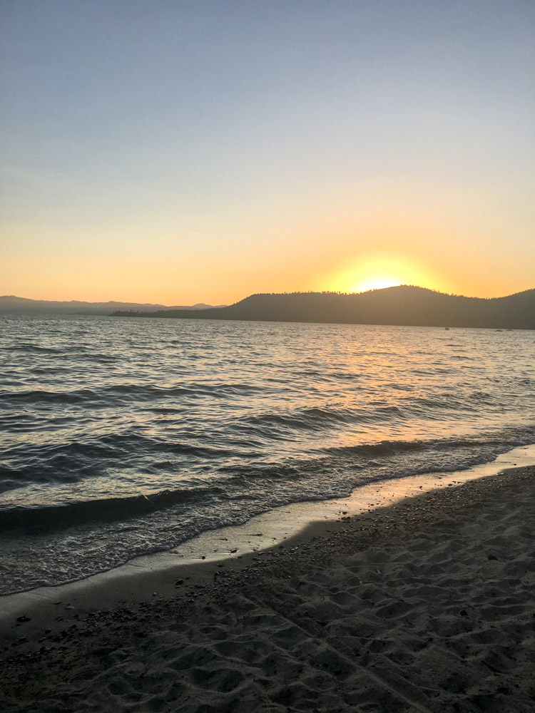 sunset-on-lake-tahoe-by-a-lady-goes-west