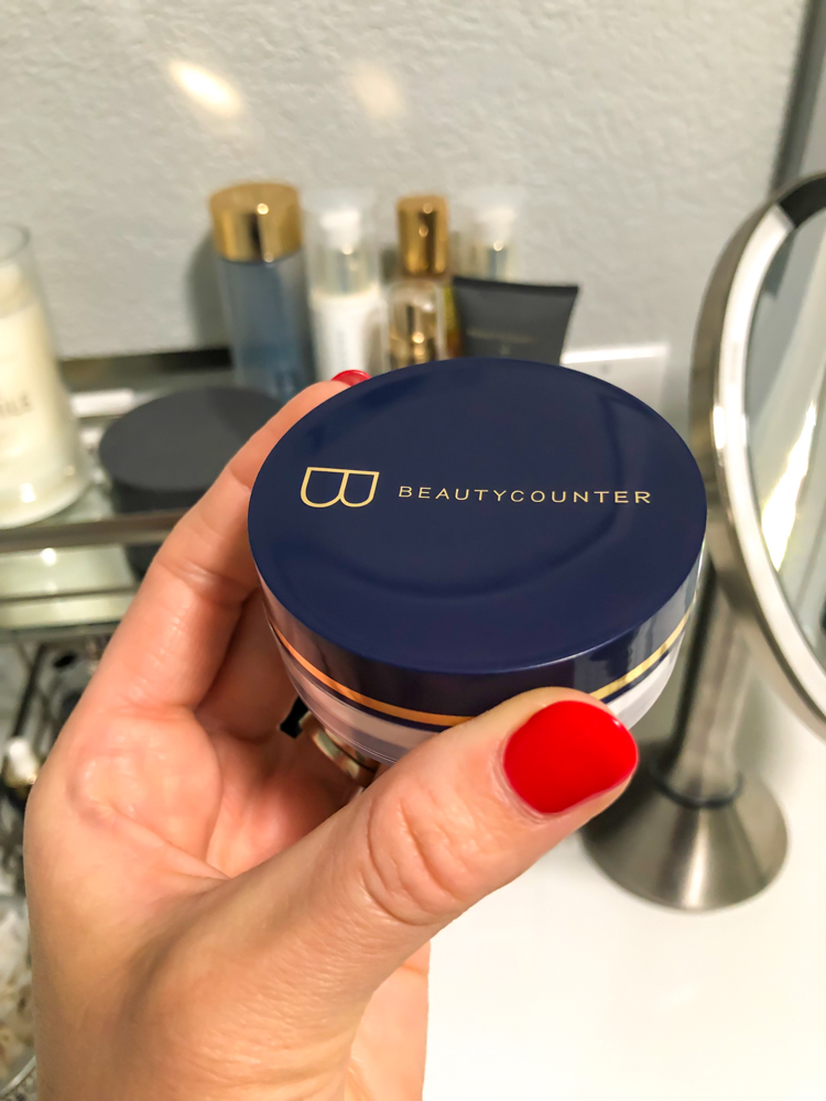 Beautycounter mattifying powder by A Lady Goes West - June 2019